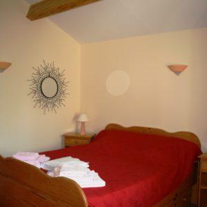 Chambre lit double avec lit tiroir 1 place