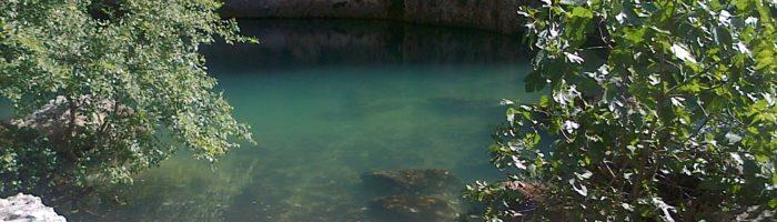 Fontaine de Vaucluse la source de la Sorgue